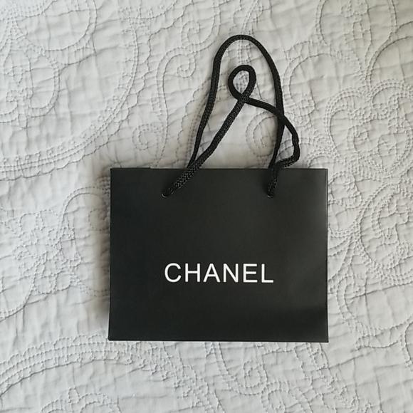 CHANEL Handbags - 💚5/$20💚 Chanel Shopping Bag Small